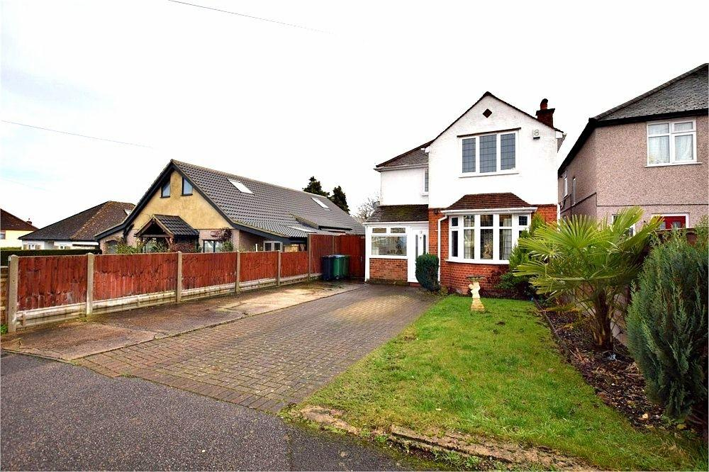 3 Bedrooms Detached House for sale in Sheepcot Drive, WATFORD, Hertfordshire