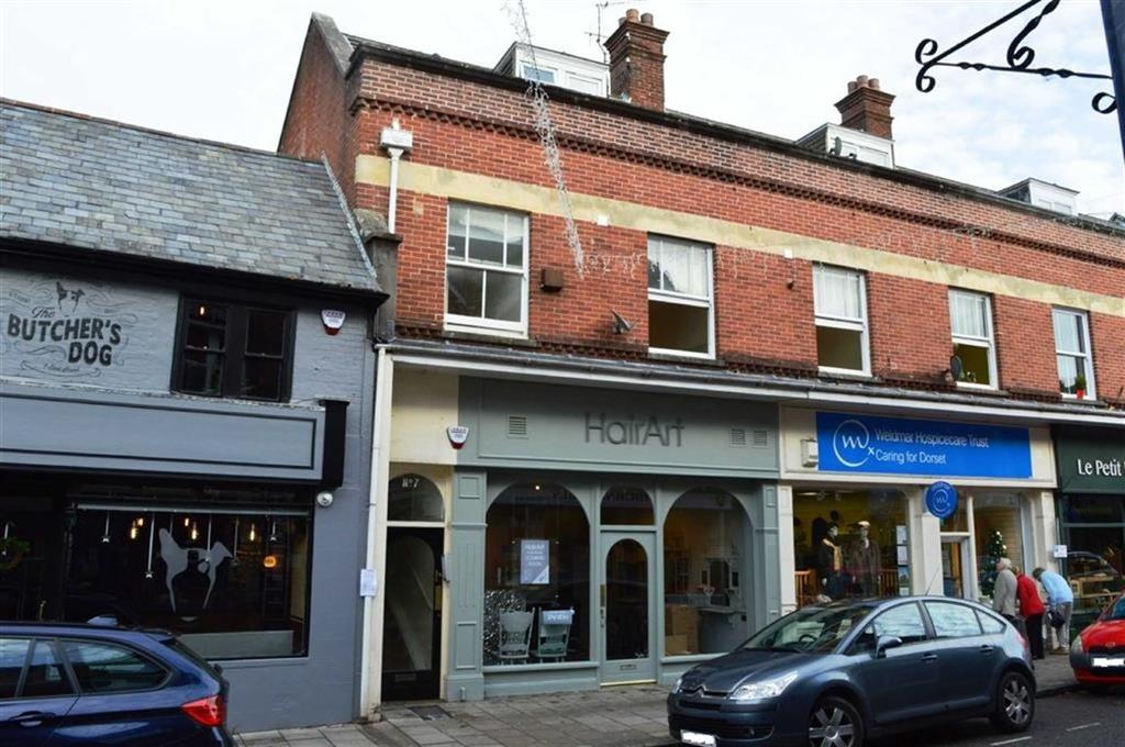 2 Bedrooms Flat for sale in 7 East Street, Wimborne, Dorset