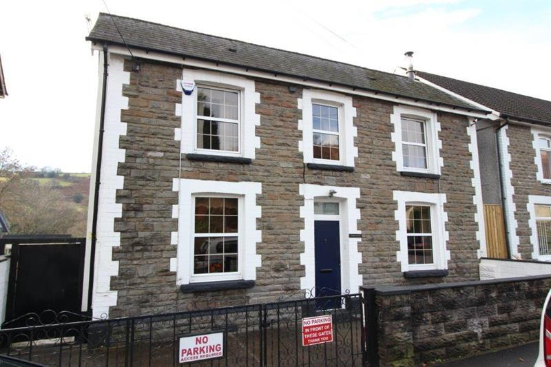 3 Bedrooms Detached House for sale in Graig Y Fedw, Abertridwr, Caerphilly