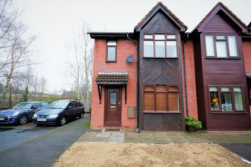 2 Bedrooms Semi Detached House for sale in Tregwilym Walk, Rogerstone, Newport, Newport. NP10 9DZ