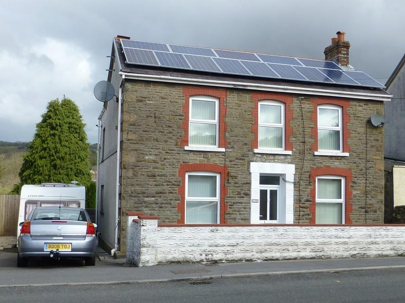 4 Bedrooms Detached House for sale in 128 Cwmamman Road, Glanamman, Ammanford, Carmarthenshire, SA18 1EJ