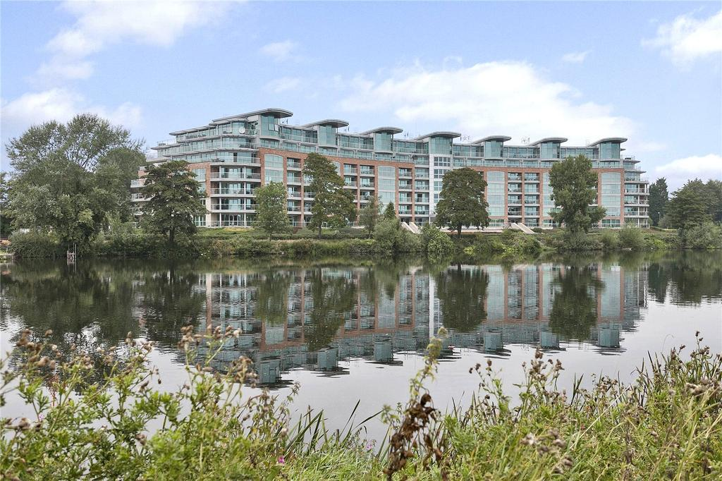 2 Bedrooms Penthouse Flat for sale in River Crescent, Waterside Way, Nottingham, NG2