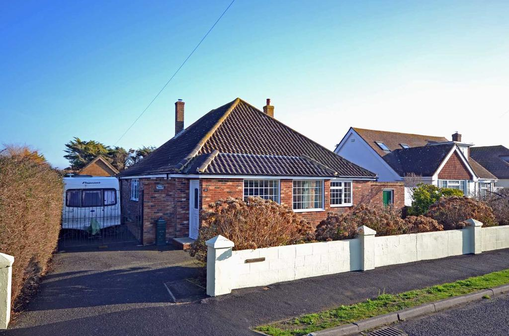 4 Bedrooms Detached Bungalow for sale in Vincent Road, Selsey, PO20