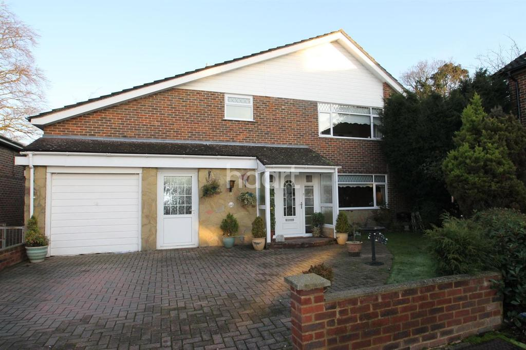 4 Bedrooms Detached House for sale in The Dale, Keston