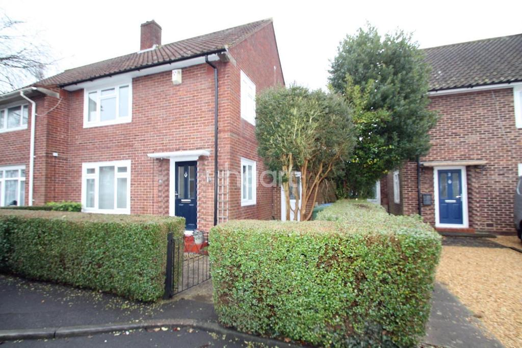 3 Bedrooms Semi Detached House for sale in Appletree Place