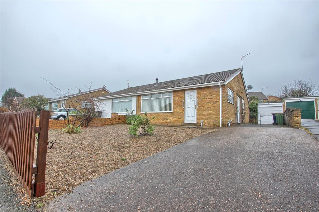 2 Bedrooms Semi Detached Bungalow for sale in Birkdale Road, New Marske