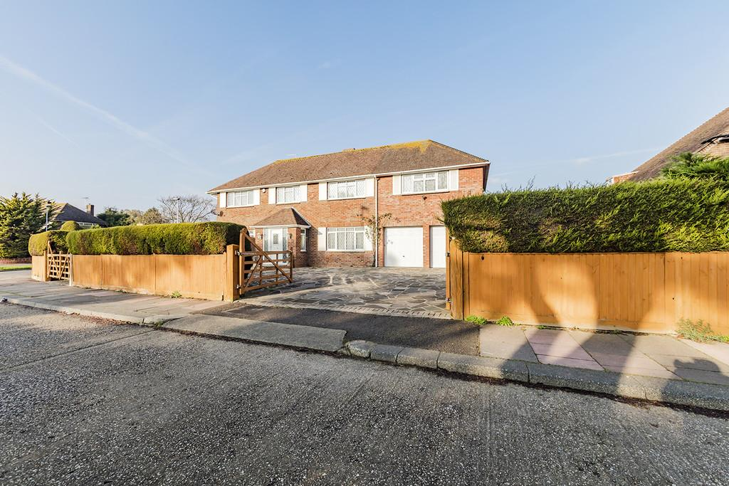 5 Bedrooms Detached House for sale in Goring Road, Goring-by-sea
