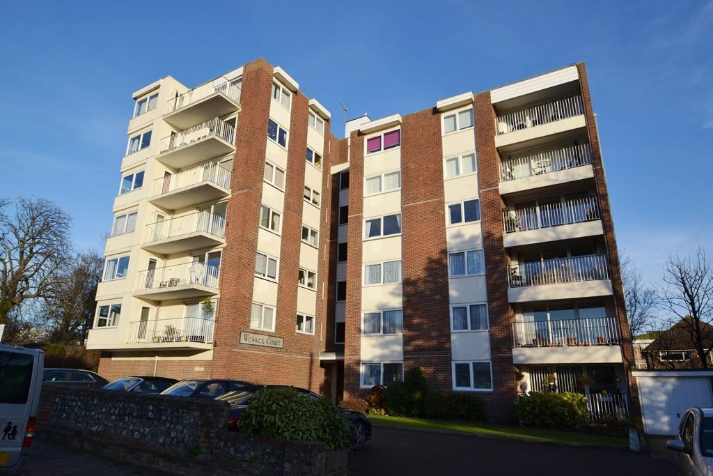 2 Bedrooms Flat for sale in Tennyson Road, Worthing, BN11 4BP