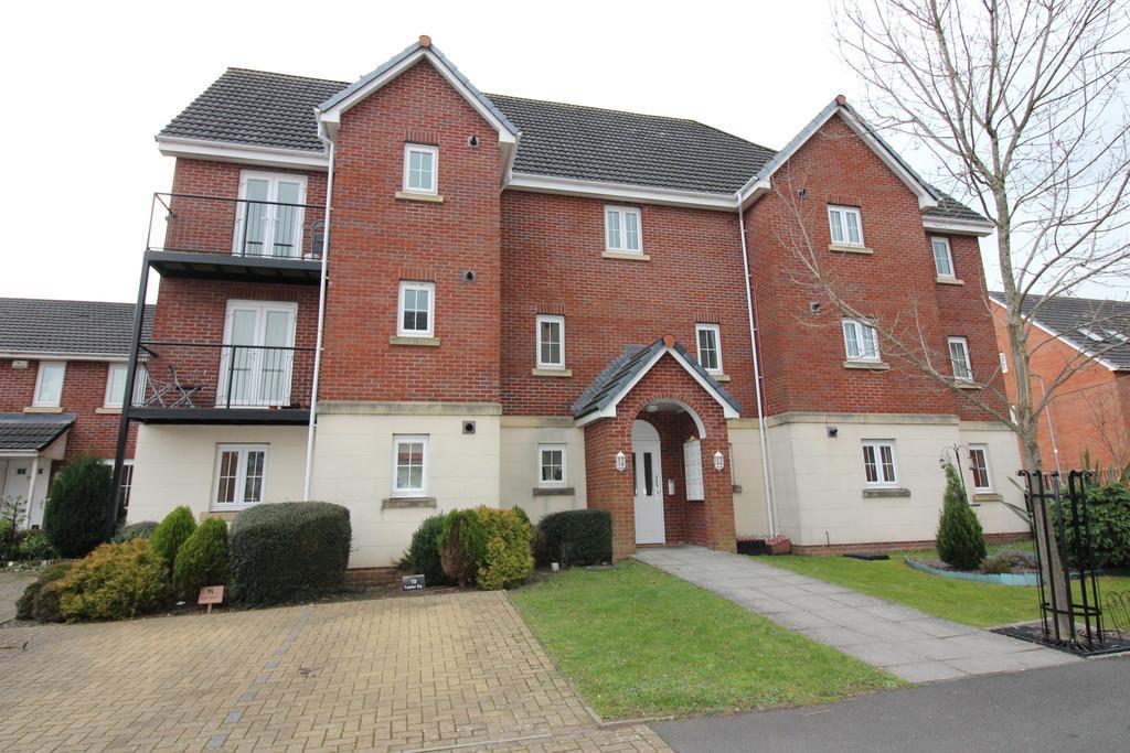 2 Bedrooms Ground Maisonette Flat for sale in Tasker Square, Llanishen, Cardiff
