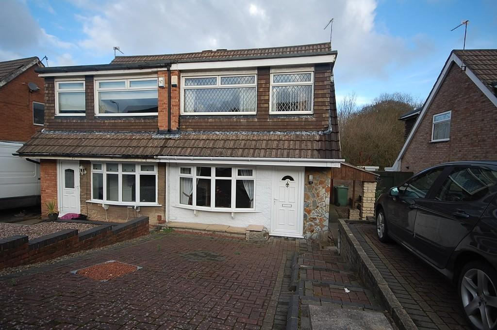 3 Bedrooms Semi Detached House for sale in Catterall Avenue, St Helens