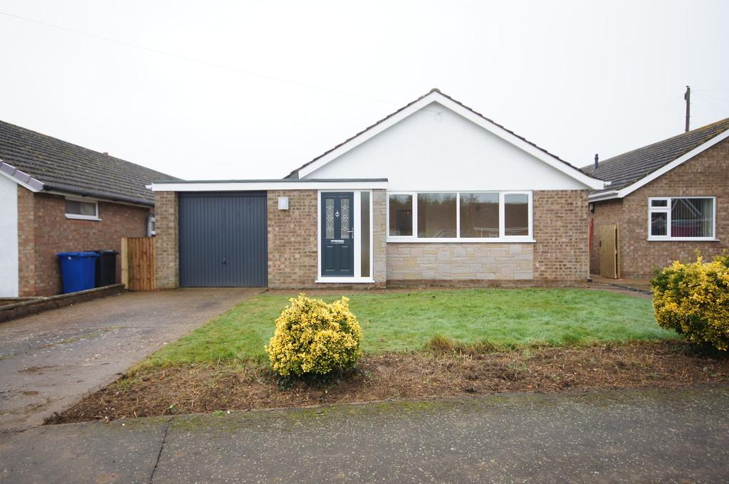 3 Bedrooms Detached Bungalow for sale in Eastfield, Sturton By Stow