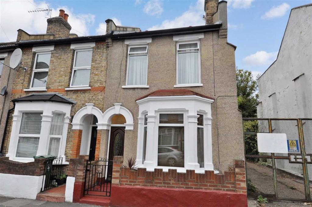 3 Bedrooms End Of Terrace House for sale in Carlton Road, Wanstead