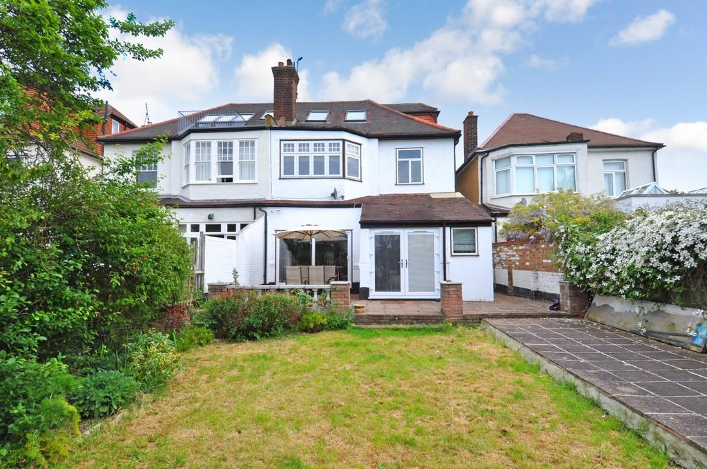 5 Bedrooms Semi Detached House for sale in Seagry Road, Wanstead