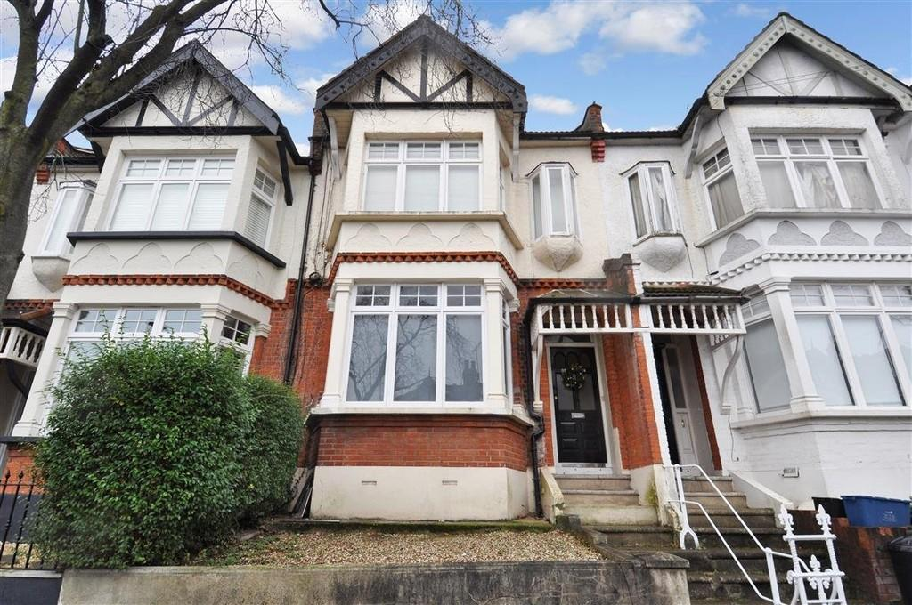 2 Bedrooms Ground Flat for sale in St. Albans Crescent, Woodford Green