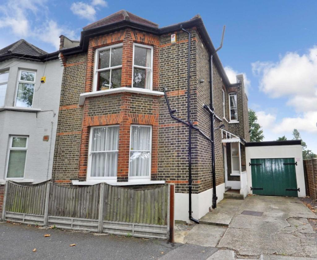 4 Bedrooms Semi Detached House for sale in Forest View Road, Manor Park