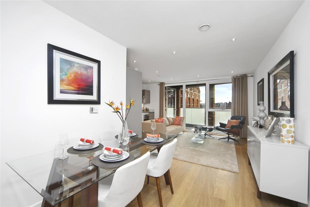 2 Bedrooms Flat for sale in 53 Oldridge Road, London