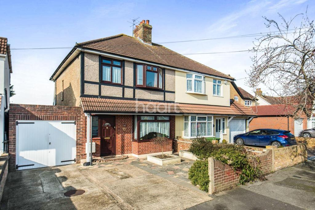 3 Bedrooms Semi Detached House for sale in Portland Road
