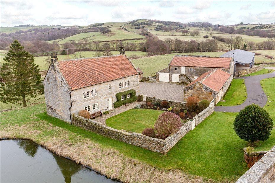 4 Bedrooms Detached House for sale in Glaisdale, Whitby, North Yorkshire, YO21