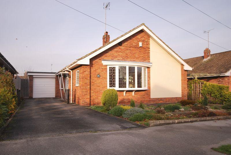 3 Bedrooms Detached Bungalow for sale in Elmsall Drive, Beverley