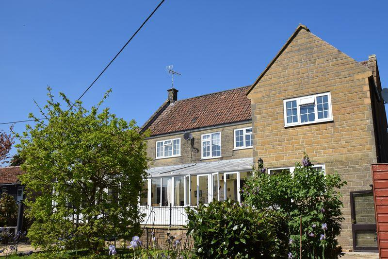 5 Bedrooms Detached House for sale in THE COACH HOUSE, SOUTH PERROTT, BEAMINSTER