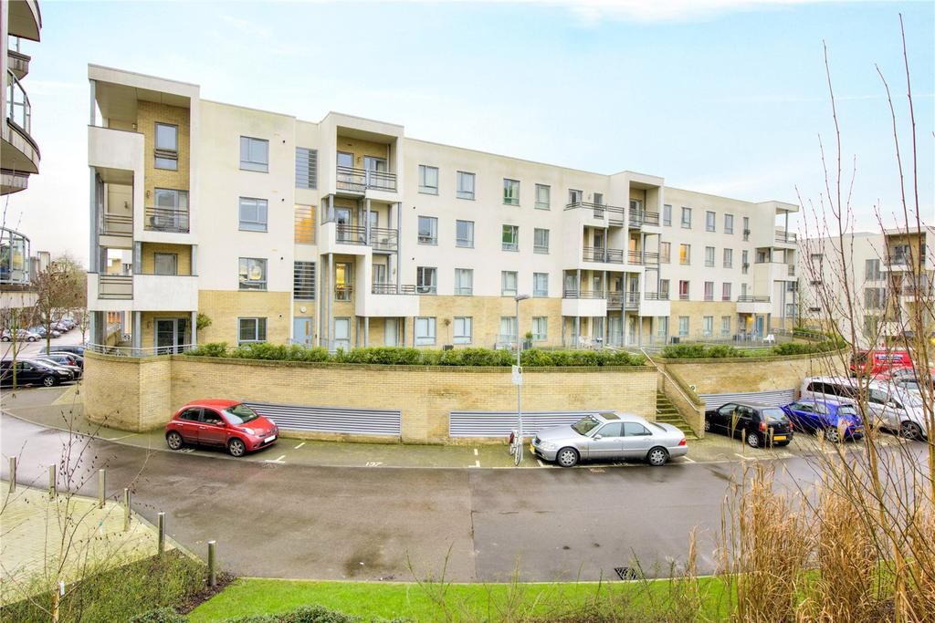 2 Bedrooms Flat for sale in Glenalmond Avenue, Cambridge, CB2