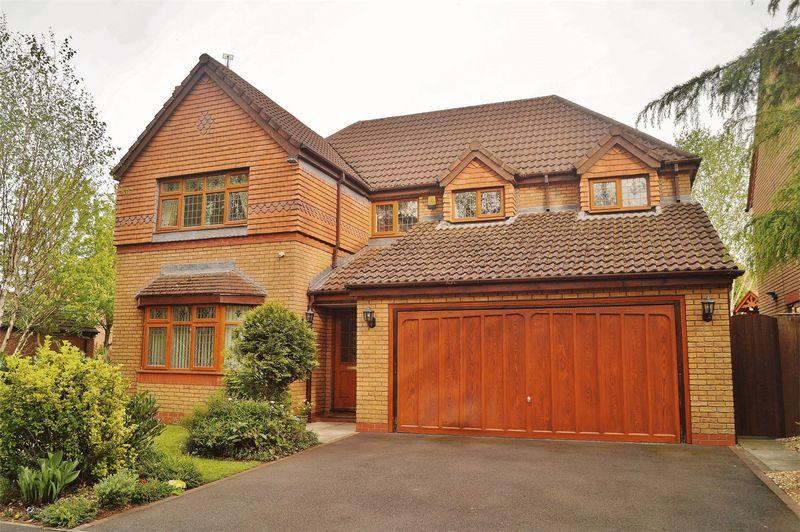 4 Bedrooms Detached House for sale in Eversham Close, Southport