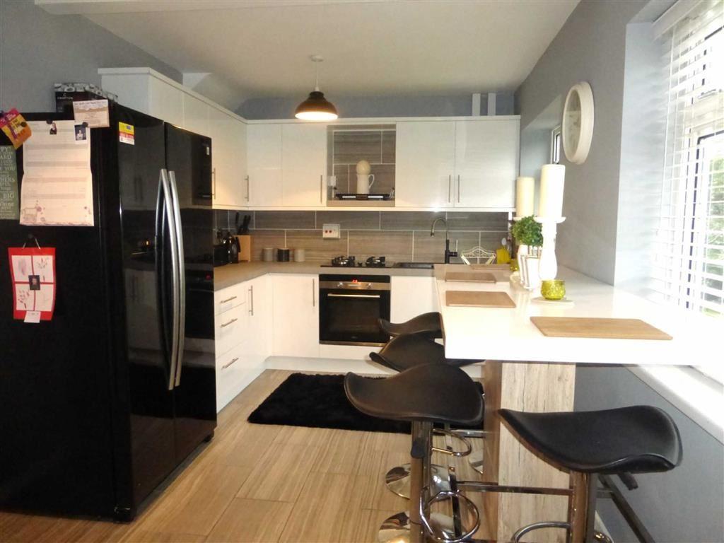 3 Bedrooms Terraced House for sale in Kirkham Close, Hessle, Hessle, East Yorkshire, HU13