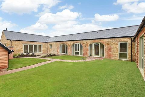 4 bedroom property for sale - Orton
