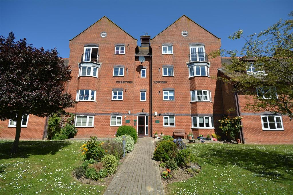 2 Bedrooms Flat for sale in Hastings Road, Bexhill-On-Sea