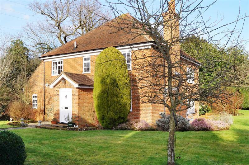 5 Bedrooms Detached House for sale in Downside, COBHAM