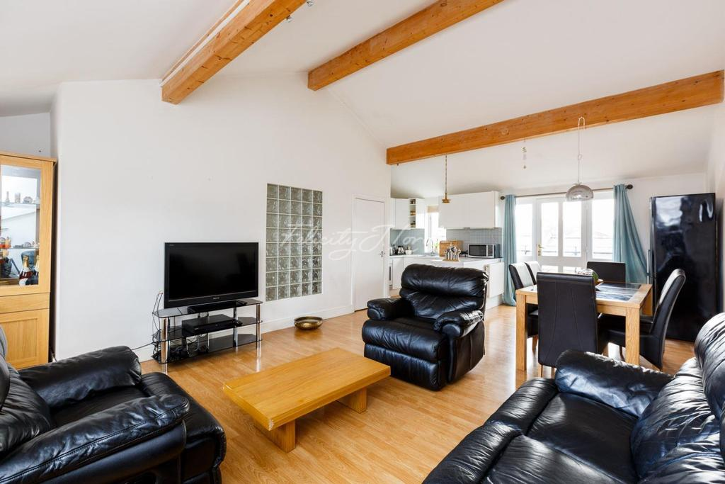 4 Bedrooms Terraced House for sale in Plough Way, SE16