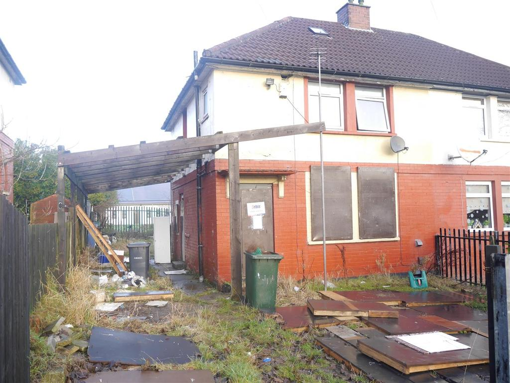 3 Bedrooms Semi Detached House for sale in Thackeray Road, Bradford, BD10 0JR
