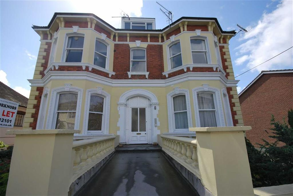 2 Bedrooms Flat for sale in Woodbury Park Road, Tunbridge Wells, Kent