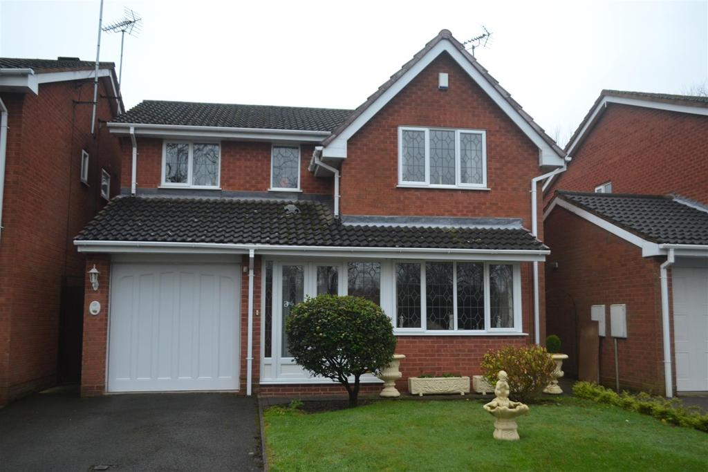 4 Bedrooms House for sale in Macadam Close, Burntwood