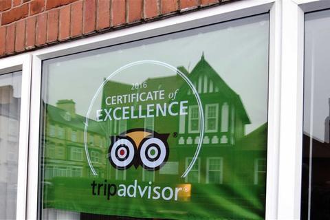 Guest house for sale - Windsor Crescent, Bridlington, East Yorkshire