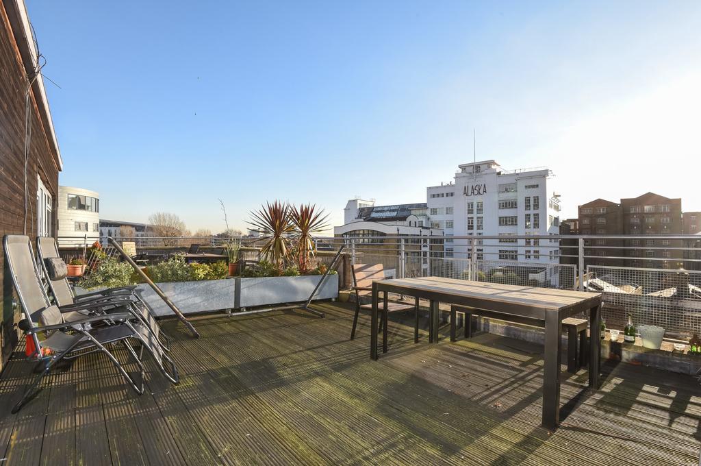 2 Bedrooms Maisonette Flat for sale in Futura House, 168 Grange Road, SE1