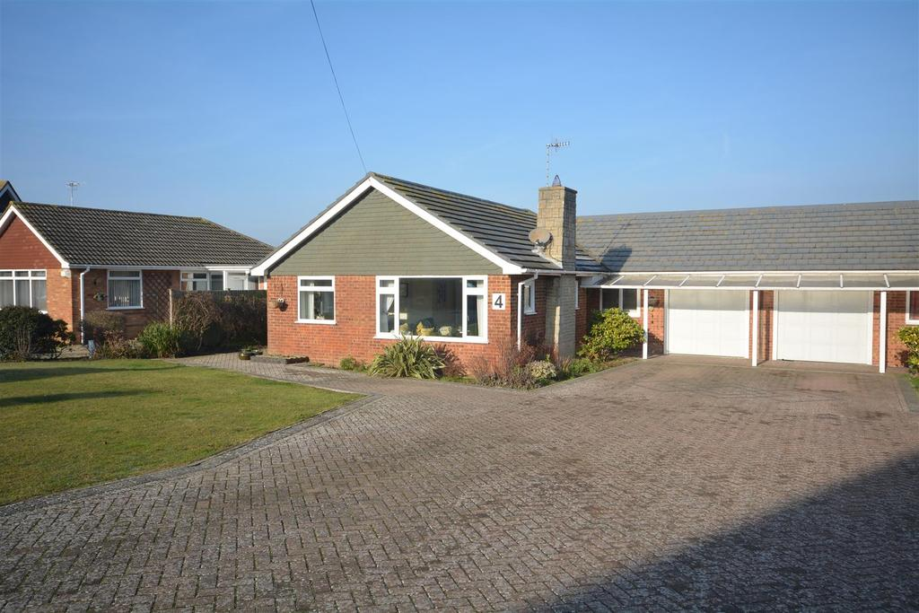 3 Bedrooms Bungalow for sale in Alford Way, Bexhill-On-Sea