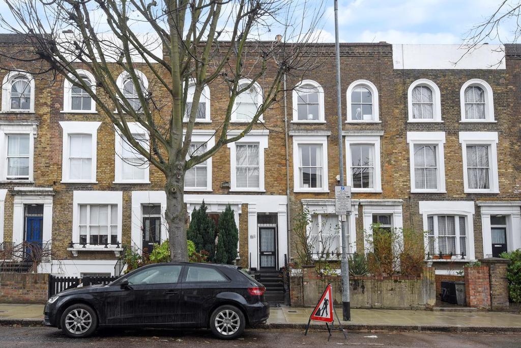 2 Bedrooms Flat for sale in Mildmay Road, Islington, N1