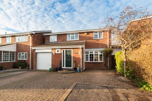 5 Bedrooms Detached House for sale in Crosslands, Caddington, LU1