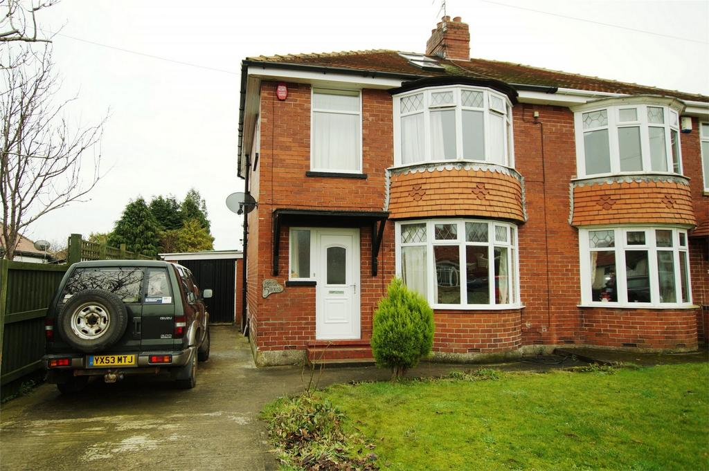 4 Bedrooms Semi Detached House for sale in Briardene Avenue, Scarborough