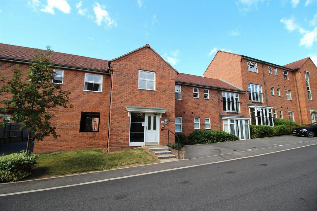 2 Bedrooms Flat for sale in Smalman Close, Wordsley, Stourbridge, West Midlands