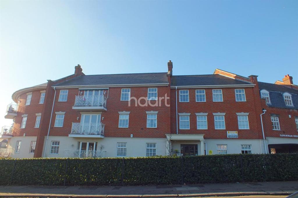 2 Bedrooms Flat for sale in Old Leigh Road SS9 1LT