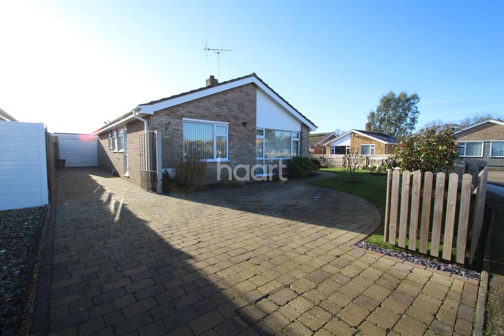 3 Bedrooms Bungalow for sale in Botanical Way, St Osyth