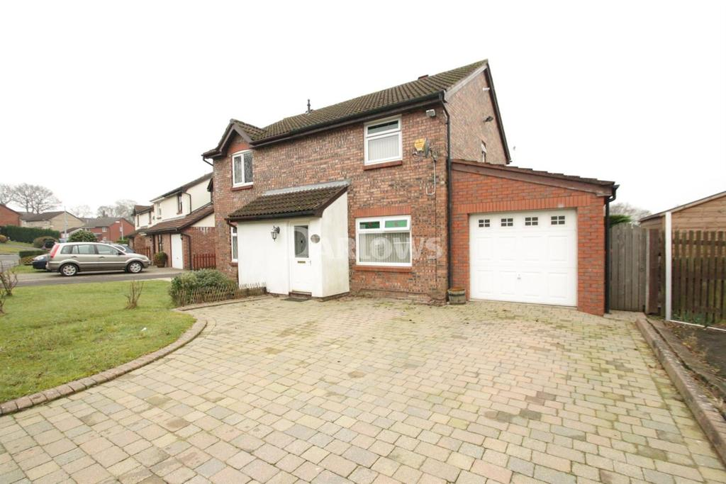 3 Bedrooms Semi Detached House for sale in Chester Close, New Inn