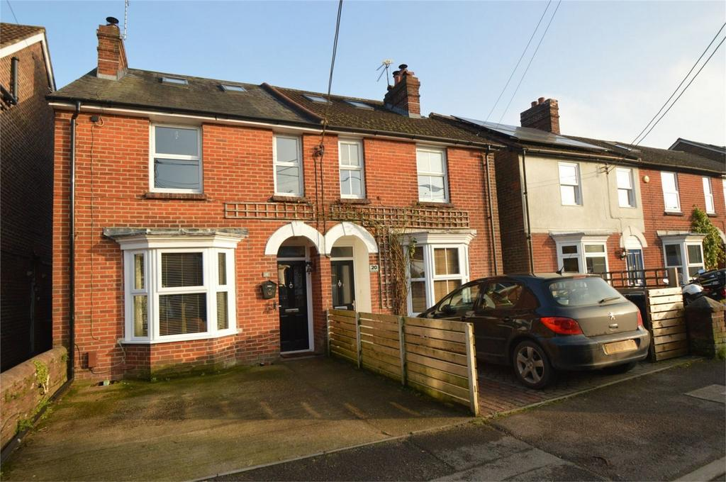4 Bedrooms Semi Detached House for sale in Rushes Road, PETERSFIELD, Hampshire
