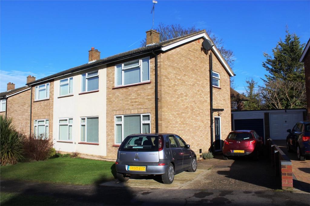 3 Bedrooms Semi Detached House for sale in Hillcrest, Baldock, Hertfordshire