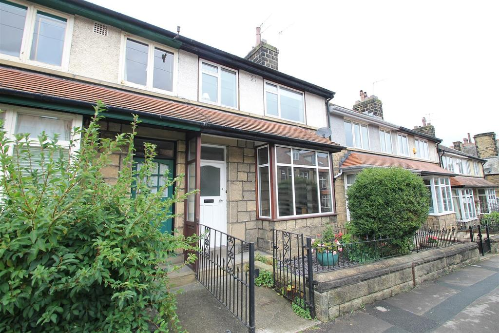 3 Bedrooms Terraced House for sale in Victory Road, Ilkley.