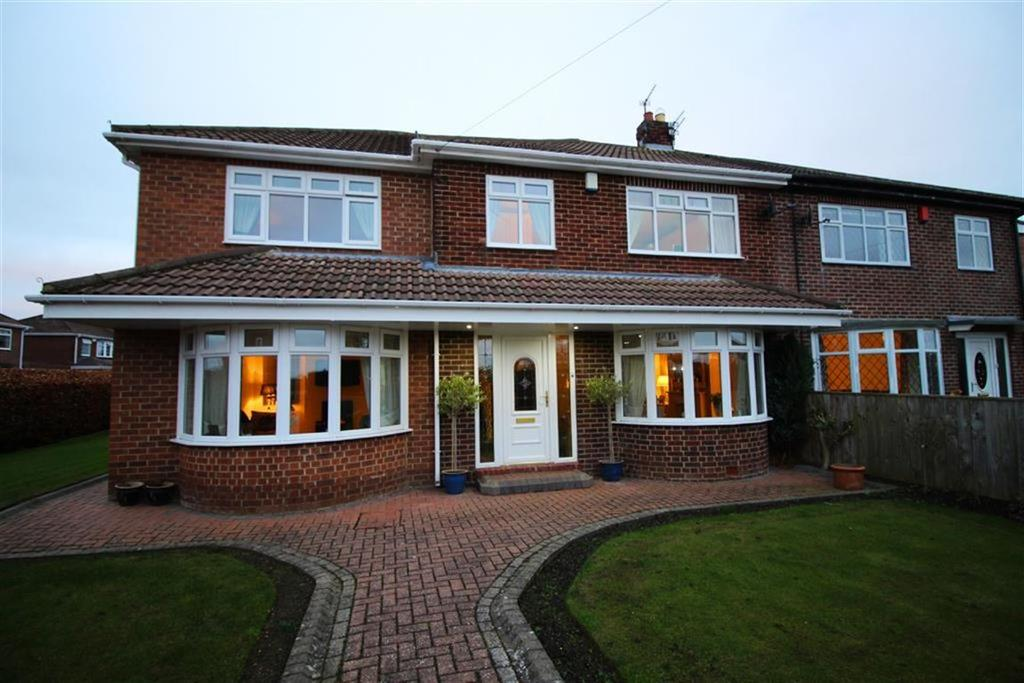 4 Bedrooms Semi Detached House for sale in Queensway, Newcastle Upon Tyne, NE3