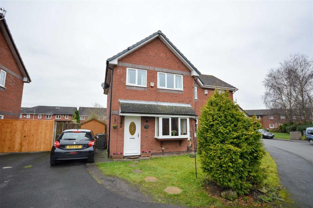 3 Bedrooms Semi Detached House for sale in Helmsman Way, Poolstock, Wigan, WN3