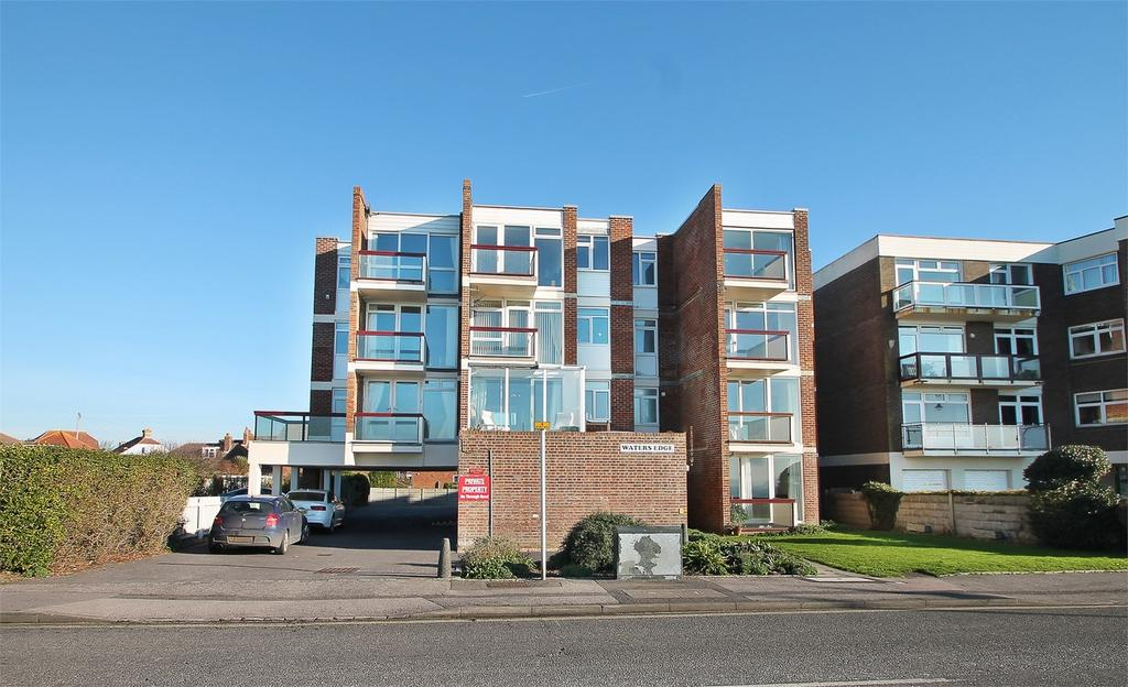 2 Bedrooms Flat for sale in Waters Edge, Marine Parade East, Lee-on-the-Solent, Hampshire